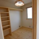 その他寝室+子供部屋+クローゼットと明るく開放感のある間取りとなっています。