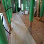 樅の床板の浮づくり