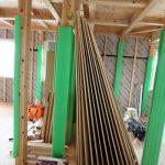 床板は樅の木輸入加工会社の方針で浮づくり